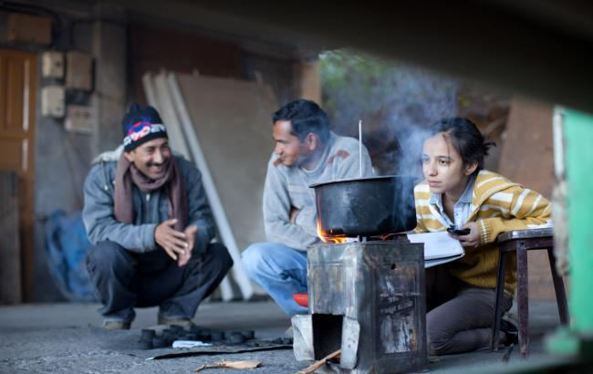 D-Lab in the field: testing bimoass fuel and stove technology.